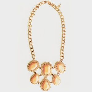 Jewelry - Peach & Gold Statement Necklace